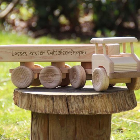 Spielzeug Lastwagen aus Holz