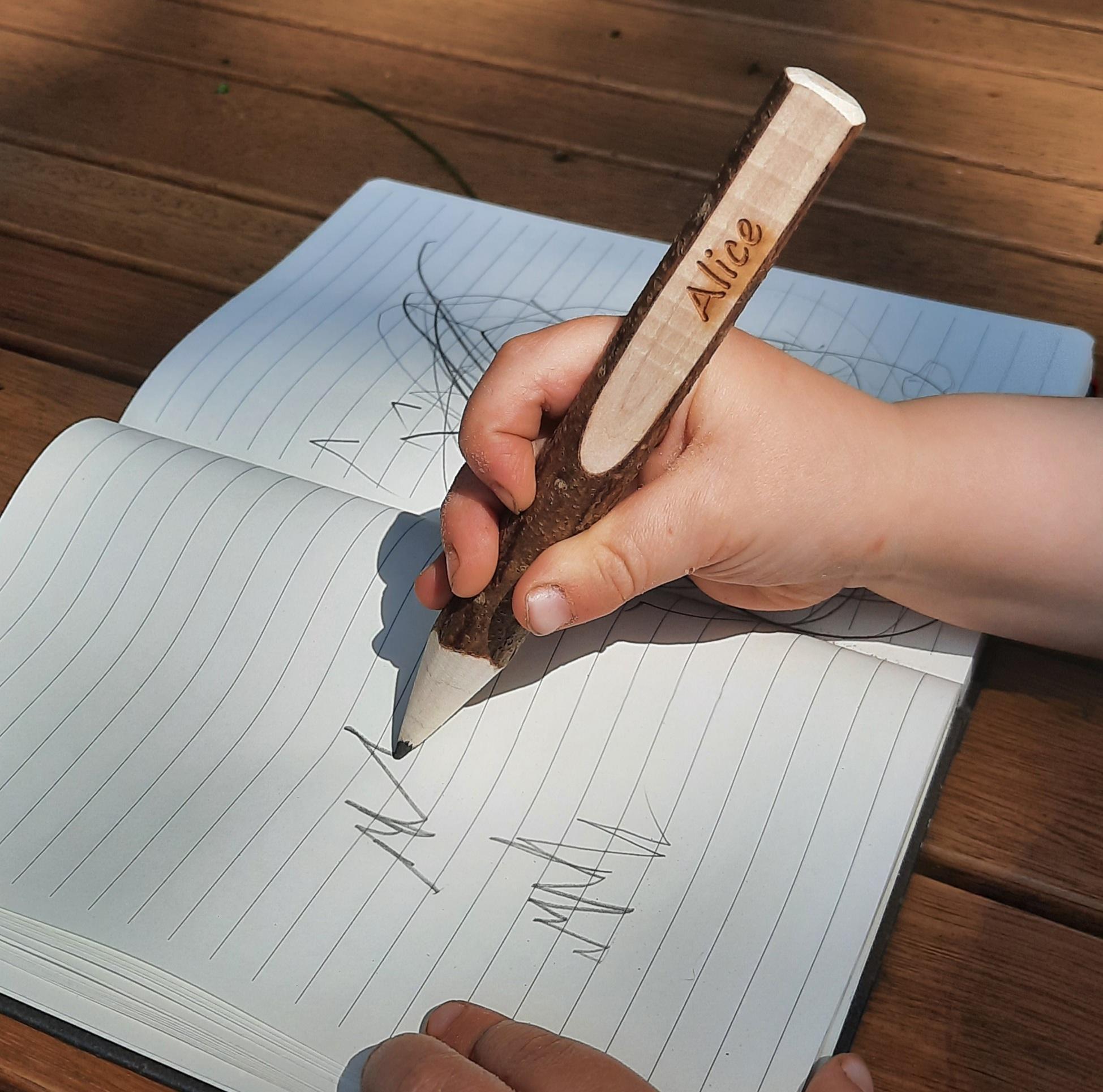 Bleistift mit Namen - individuell graviert, Rindenstift